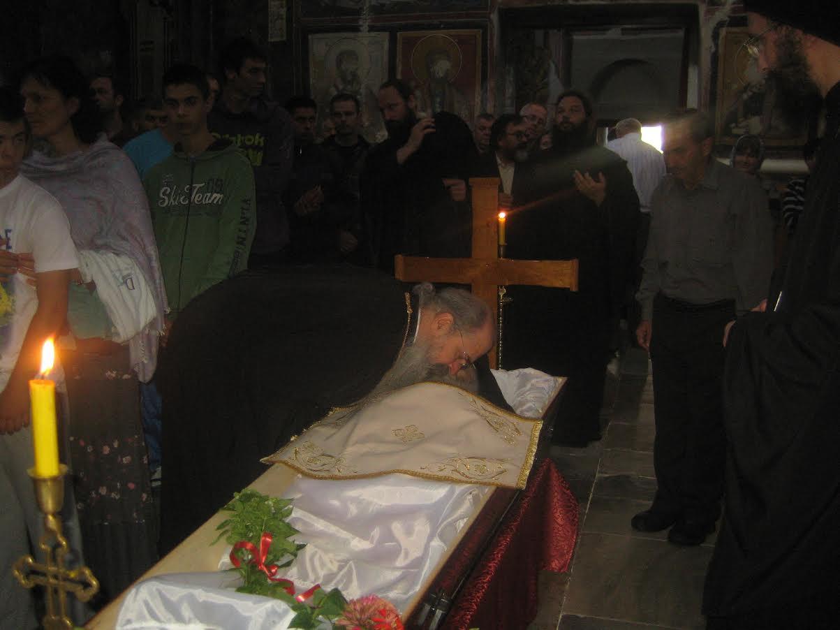 У Студеници 9. августа 2014. године сахрањен архимандрит Сава Студенички