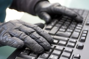 hakeri-tastatura-sajber-kriminal-1354707651-237715