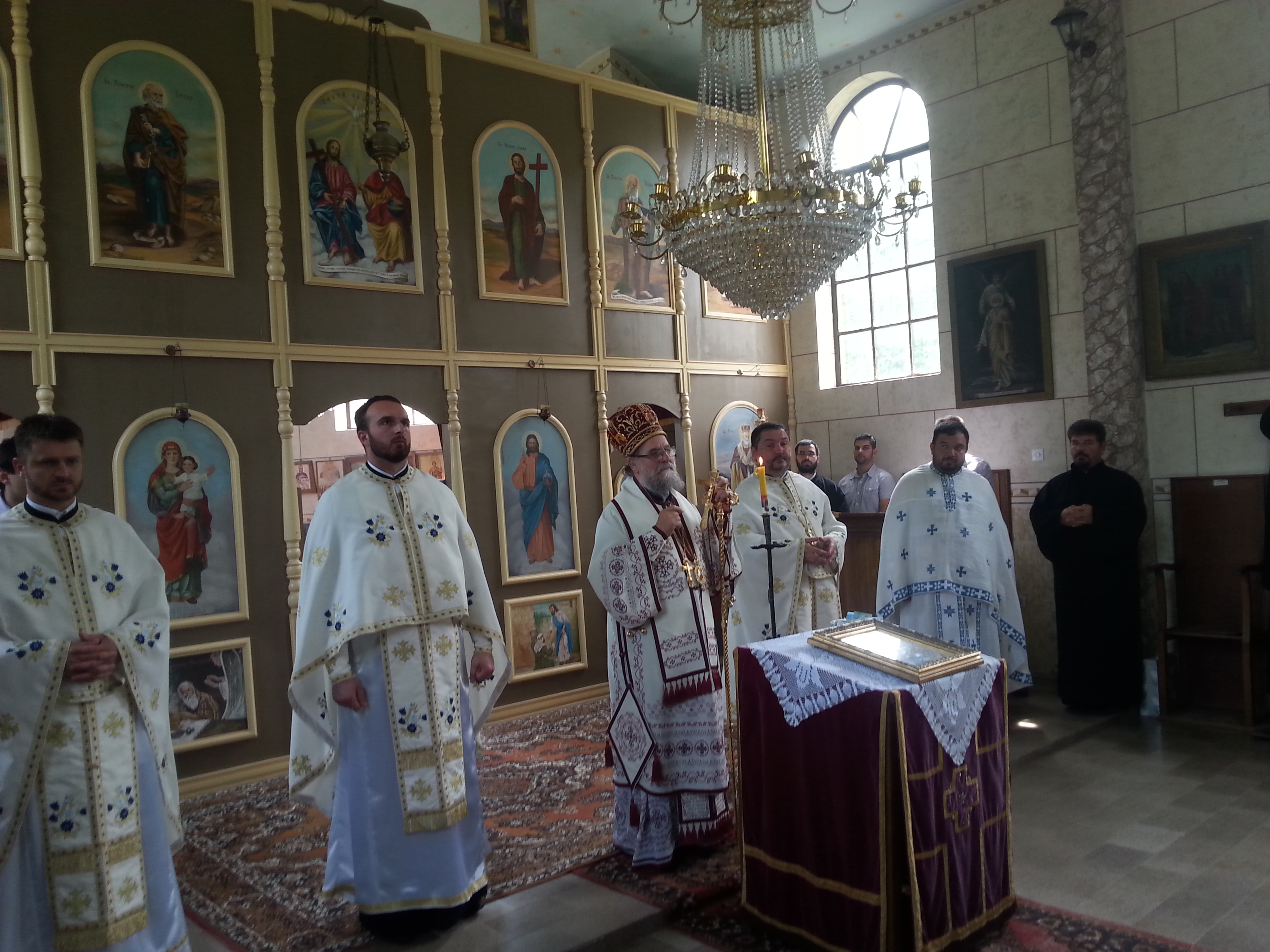Света архијерејска Литургија у Бингули