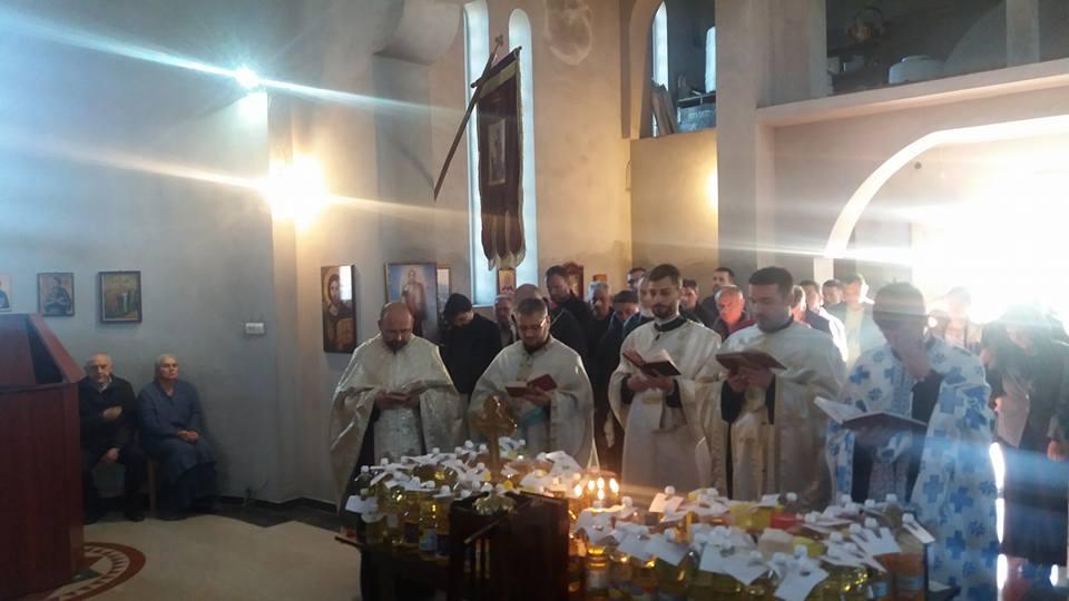 Света тајна јелеосвећења у румском храму Сабора српских светитеља