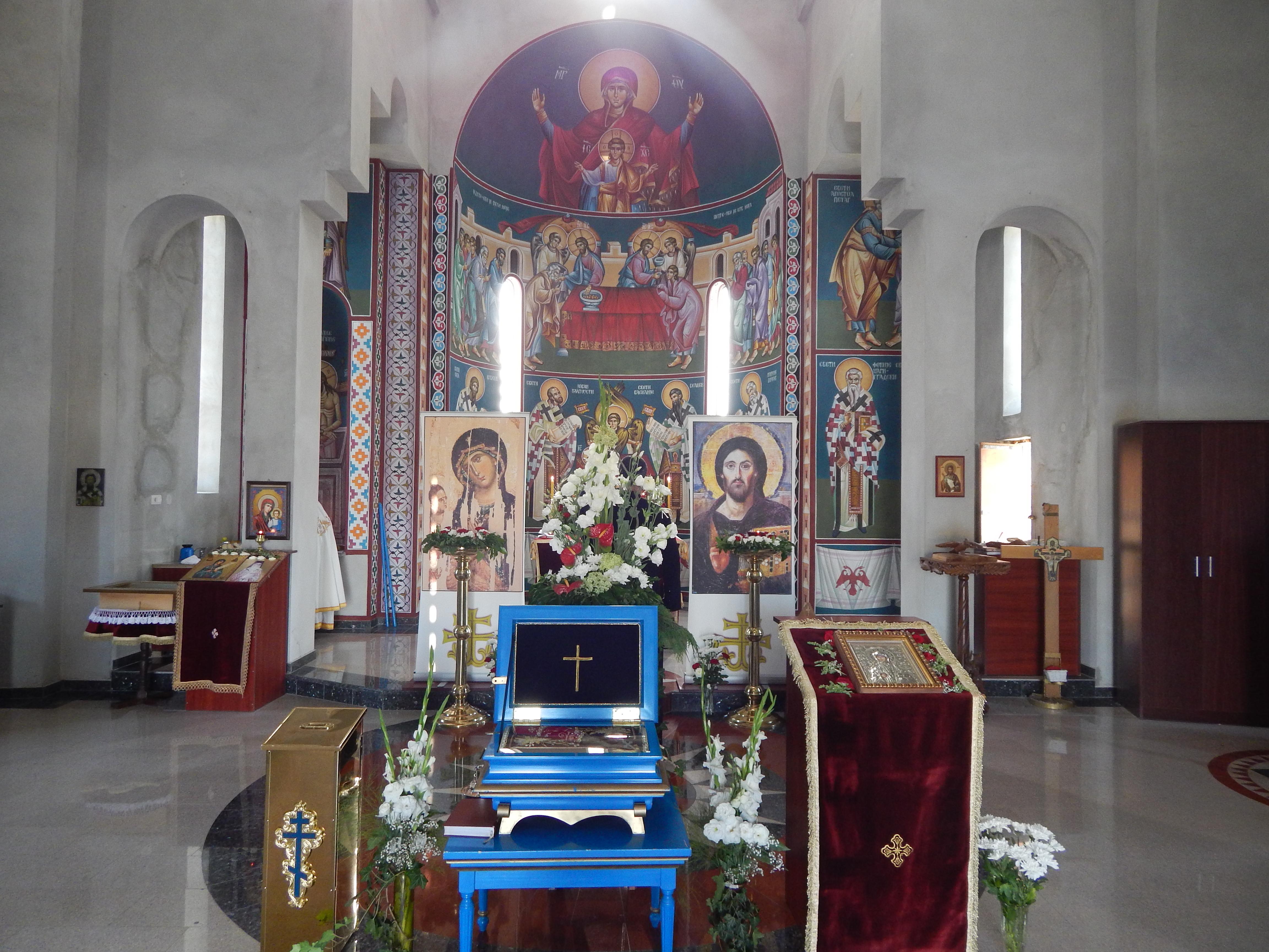 Мошти Преподобне мајке Ангелине у румском храму Сабора српских светитеља