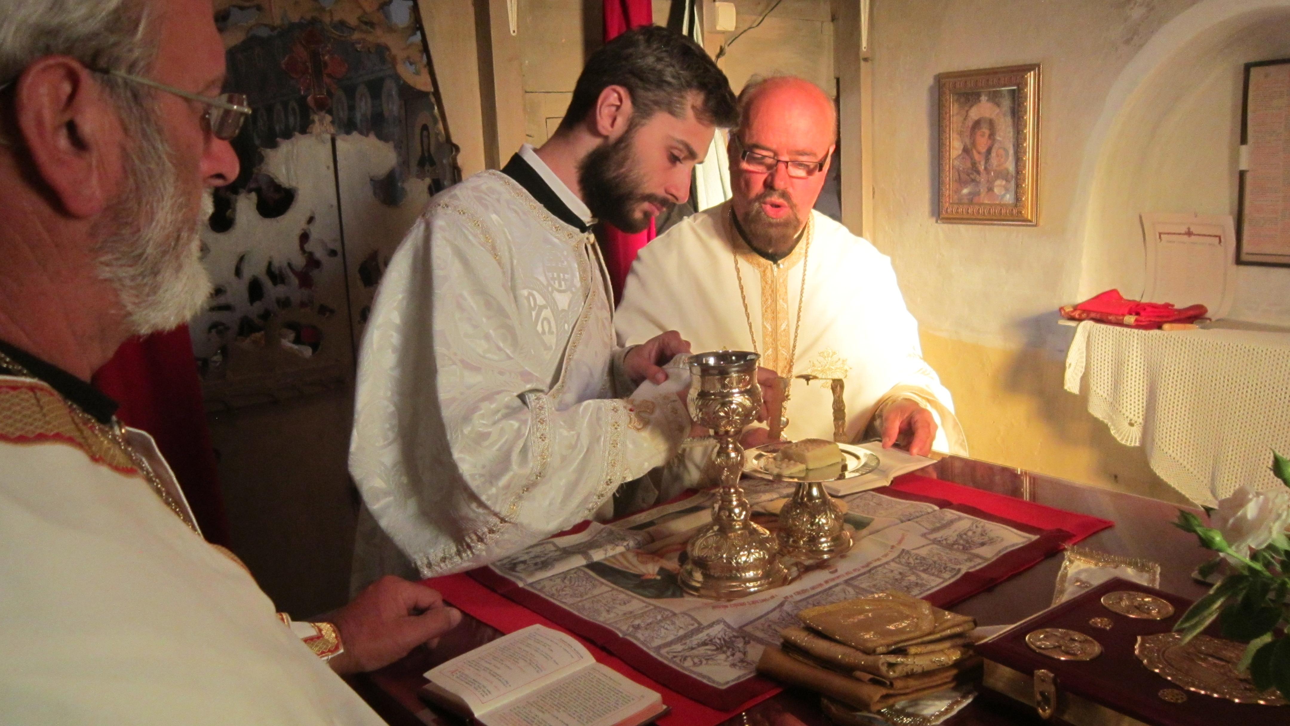 Отац и син на путу Свете мајке Ангелине  и сина јој Светитеља Максима