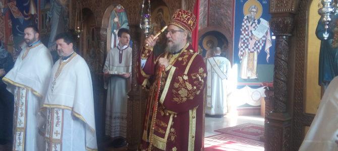 Његово Преосвештенство Епископ сремски Г. Василије осветио фрескопис у храму Свете Тројице у Новој Пазови