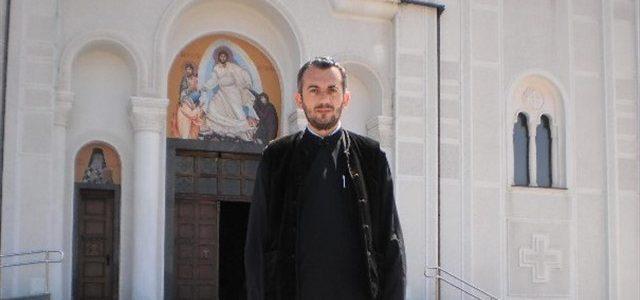 Молитвено испраћен прота Милован Теовановић, уредник радија Источник