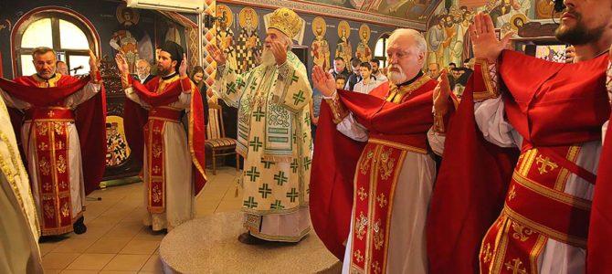 Патријарх богослужио у храму на Карабурми