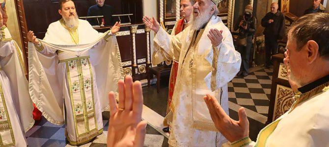 Његова Светост Патријарх српски г. Иринеј началствовао је Трећег дана Васкрса светом Литургијом у цркви Ружици на Калемегдану