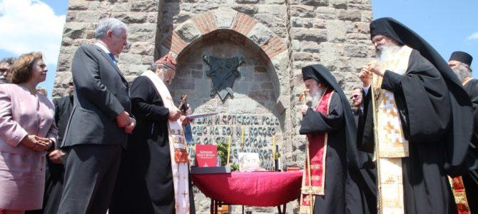 Његова Светост Патријарх српски Г. Иринеј служио на Видовдан у манастиру Грачаници и на Газиместану