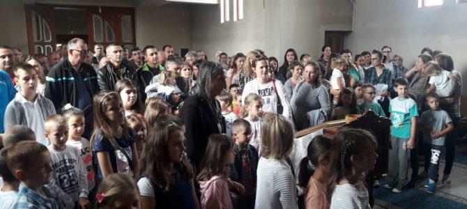Литургија и молебан на почетку школске године у Новој Пазови