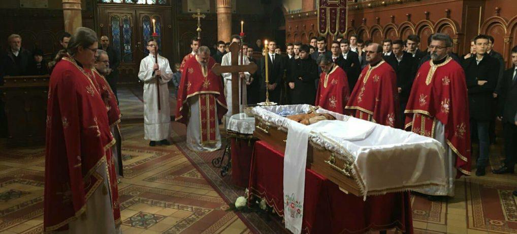 Света заупокојена Литургија и опело протојереју Младомиру Тодоровићу