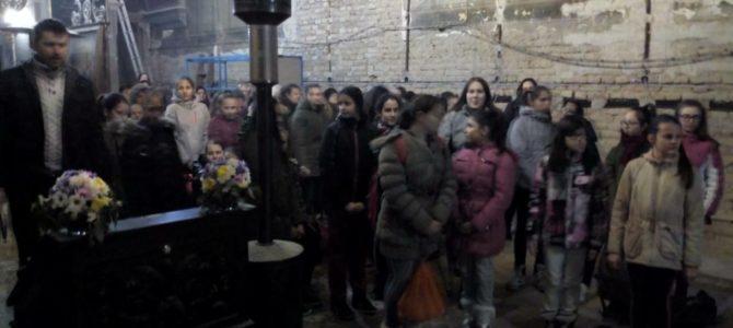 Причешће деце у храму Силаска Светог Духа на апостоле
