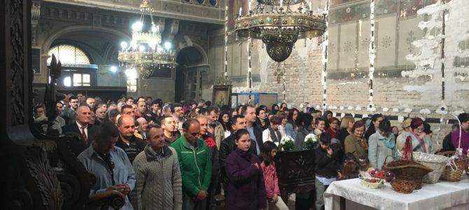 Васкрс у храму Силаска Светог Духа на апостоле у Руми