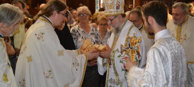 Његово Преосвештенство Епископ сремски Г. Василије литургијски прославио своју крсну славу