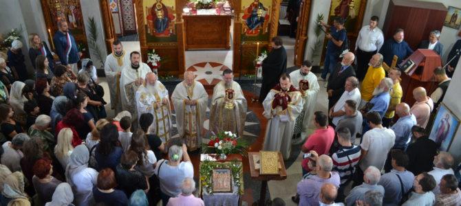 Прослављена слава храма Сабора српских светитеља у Руми