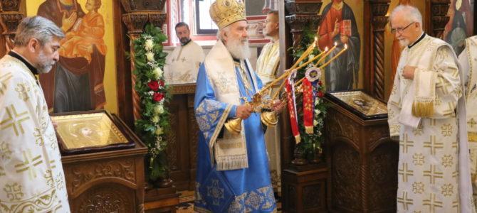 Патријарх освештао нови живопис Покровског храма