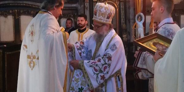 Света архијерејска литургија у Добановцима на Лазареву суботу