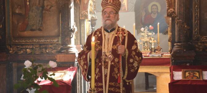 Његово Преосвештенство Епископ сремски г. Василије председава сутрашњим Светим Архијерејским Сабором