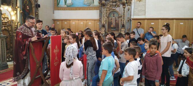 Молебан за почетак нове школске године у Старим Бановцима