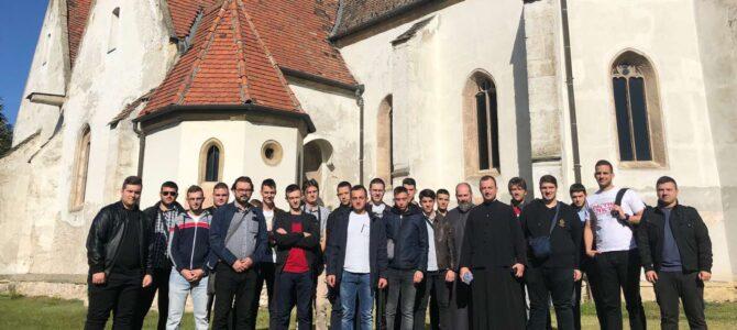 Матуранти Карловачке богословије посетили Будимпешту и Темишвар