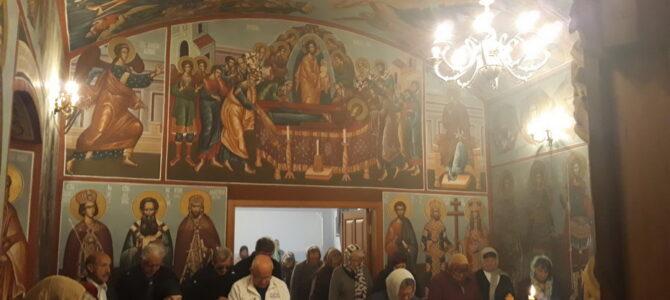 Света Литургија у Гробљанској капели у Раковцу на дан Покрова Пресвете Богородице