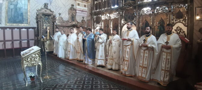 Литургијски обележен празник Покрова Пресвете Богородице у Шиду