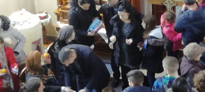Материце у храму Свете Петке у Новој Пазови