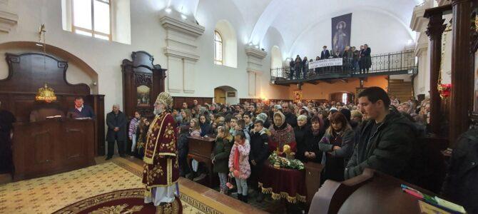 Свечани дочек Хитона Господњег за Материце у Угриновцима