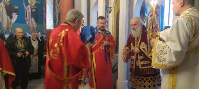 Патријарх Иринеј: У невољи најпре се помолимо Господу и Његовим угодницима