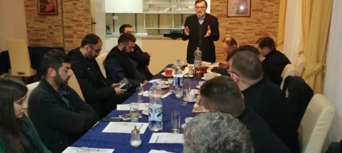 У Сремској Митровици уприличен састанак са координатором за верску наставу Епархије Сремске господином мр Предрагом Миодрагом