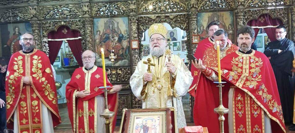 Eпископ сремски г. Василије на празник Светог Симеона и Ане богослужио у Сремској Митровици