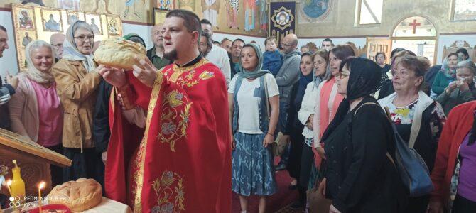 Литургијско сабрање у покровском храму у Петроварадину