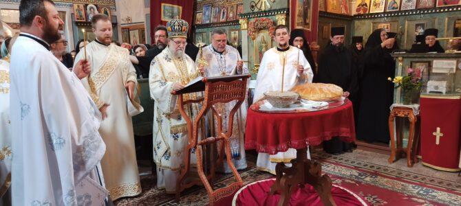 Архијерејска Литургија и четрдесетодневни помен мати Рафаили у манастиру Мала Ремета