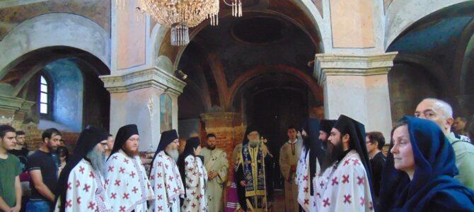 Празнично бденије уочи Видовдана у манастиру Раваници