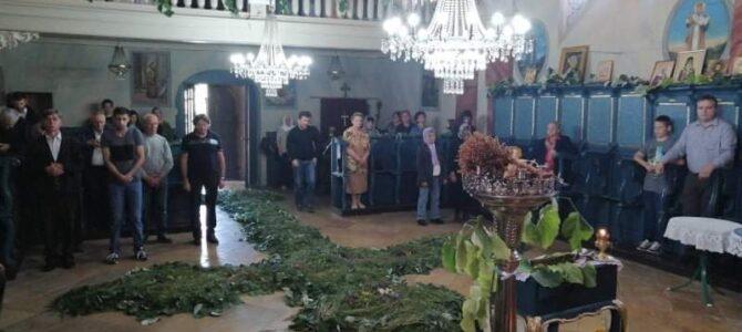 Прослављање празника Силаска Светога Духа на Апостоле у храму Преображења Господњег у Беочину