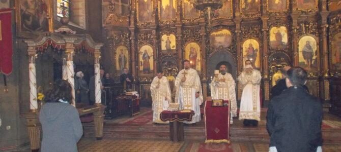 Светом Литургијом прослављен Митровдан – Слава града Сремске Митровице