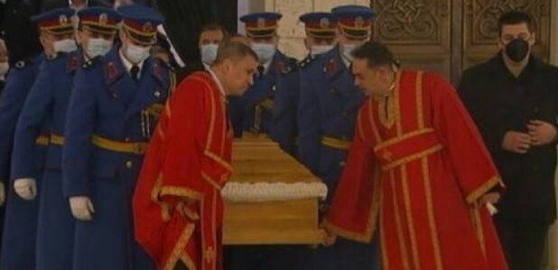 Сахрањен Патријарх српски г. Иринеј