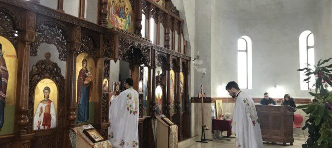 Света литургија у цркви Светог Јована Шангајског у Батајници
