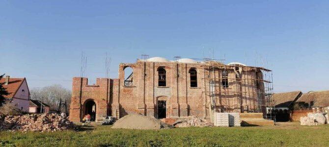 Обнова храма Свете Тројице у Купинову