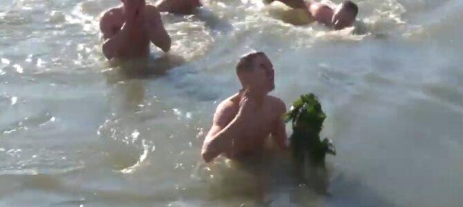Пливање за Часни крст организовано на Бечменском језеру