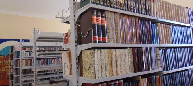 Учесници Семинара за вероучитеље посетили Библиотеку Карловачке Богословије