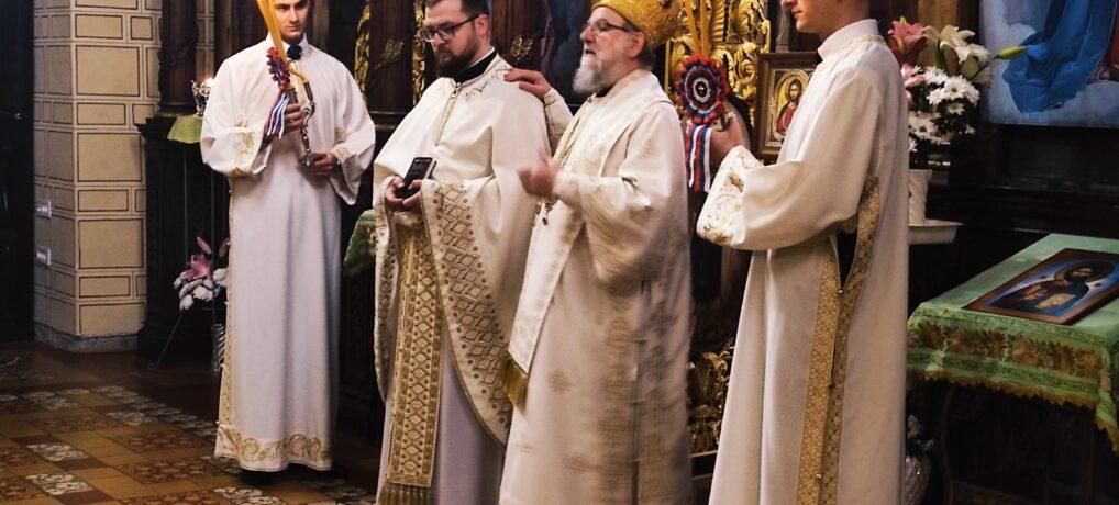 Света Aрхијерејска Литургија и Рукоположење у храму Силаска Светог Духа на апостоле у Руми