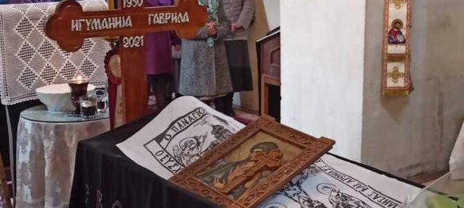 Молитвенo испраћeна мати Гаврила, игуманија манастира у Раковцу