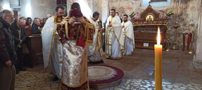 Свети Теодор Тирон литургијски прослављен у манастиру Хопово