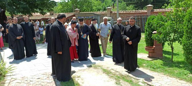 Манастир Бешеново прославио празник Светих мученика Кирика и Јулите