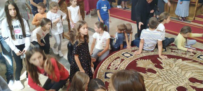 Молитвени призив Светог Духа на почетку нове школске године у Старим Бановцима