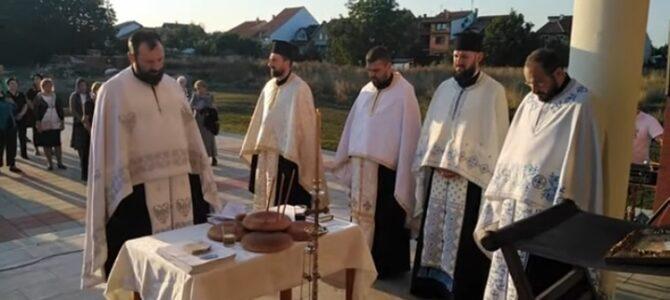 Навечерје славе храма Сабора српских светитеља у Руми (видео запис)