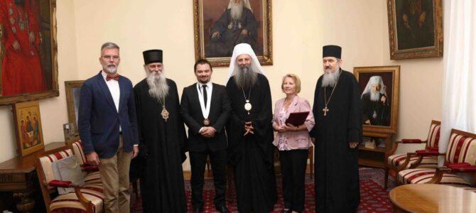 Патријар Порфирије уручио високо црквено одликовање