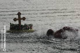 Пливање за часни крст