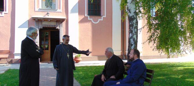 Света Литургија у сурчинској цркви Свете Петке служи се сваког дана