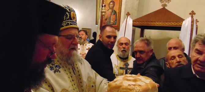 Његово Преосвештенство Епископ сремски г. Василије освештао Крст у манастиру Раковац
