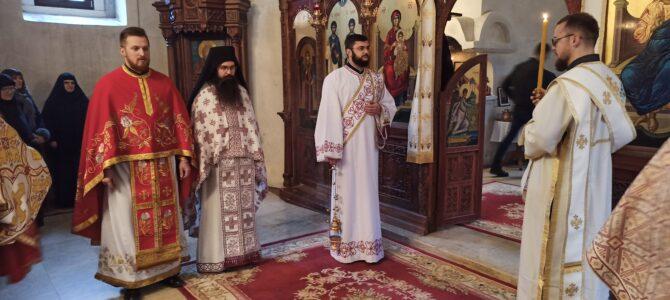 Одслужен помен блаженопочившем Патријарху српском г. Иринеју у манастиру Раковац